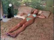 Трахнул спящую тетку в бикини