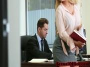 Не удержался и трахнул секретаршу в своем кабинете