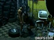 Скрытая камера в гараже