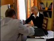 Секс в офисе за новую работу