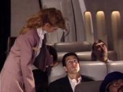 Стюардесса и пассажир вип-класса