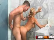 Мать ебется с сыном в ванной