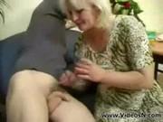 Мама трахается с сыном без стеснения