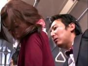 Японку трахают в автобусе спустив колготки