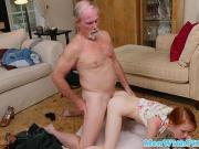 Дед трахает свою внучку перед другом