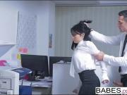 Наказал секретаршу хуем