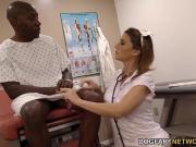 Медсестра с негрилой