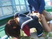Азиатка трахается на крыше