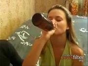 Пьяная раздвинула рогатку