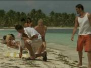 Трахнули на пляже грудастую блонду