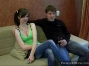 Русские брат с сестрой смотрят порно