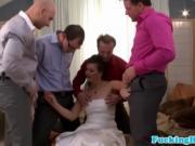 Толпой трахают невесту во все щели