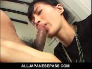 Трахает до слез азиатку в горло