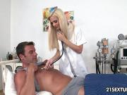 Медсестра ебется с пациентом