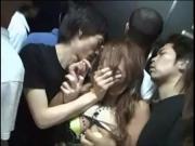 Трахнули в лифте азиатку